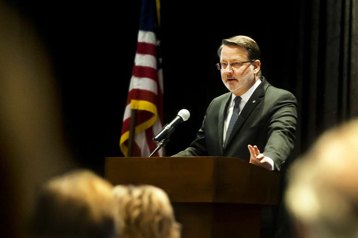 U.S. Sen. Gary Peters, D-Mich., addresses the crowd during the Great Lakes Bay Region Boy Scouts Breakfast on Monday, March 26, 2018 at the Great Hall Banquet and Convention Center. (Katy Kildee/kkildee@mdn.net)