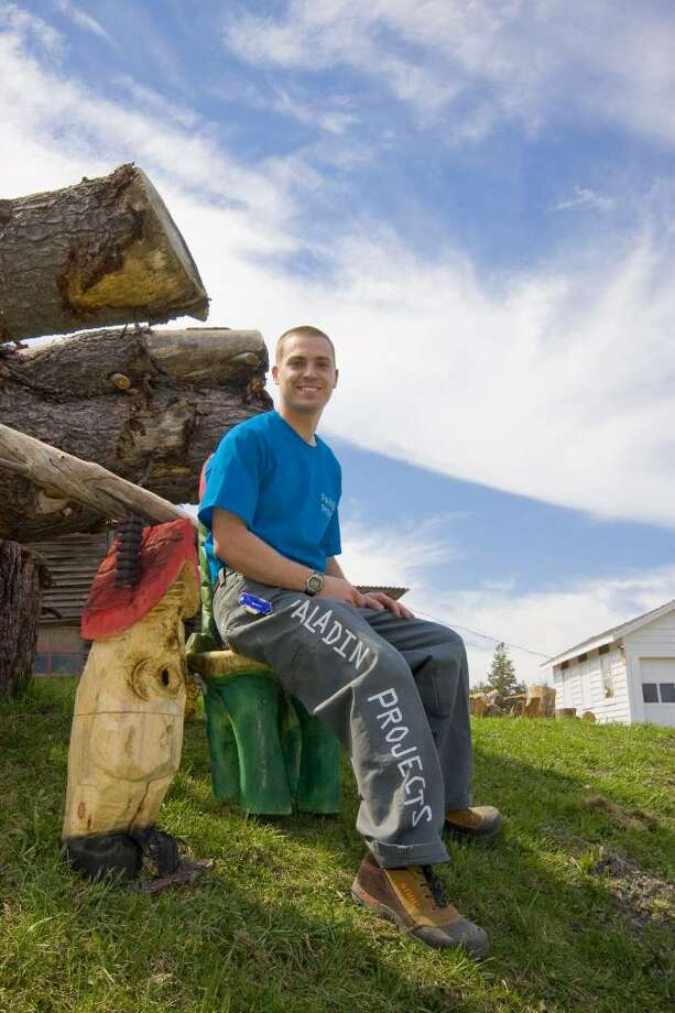 Folk artist Rich Koonz carves out a niche for himself. (Nancy Bruno / Life at Home) Photo: Photos By Wes Bennett / Times Union/Life@Home magazine June 2010