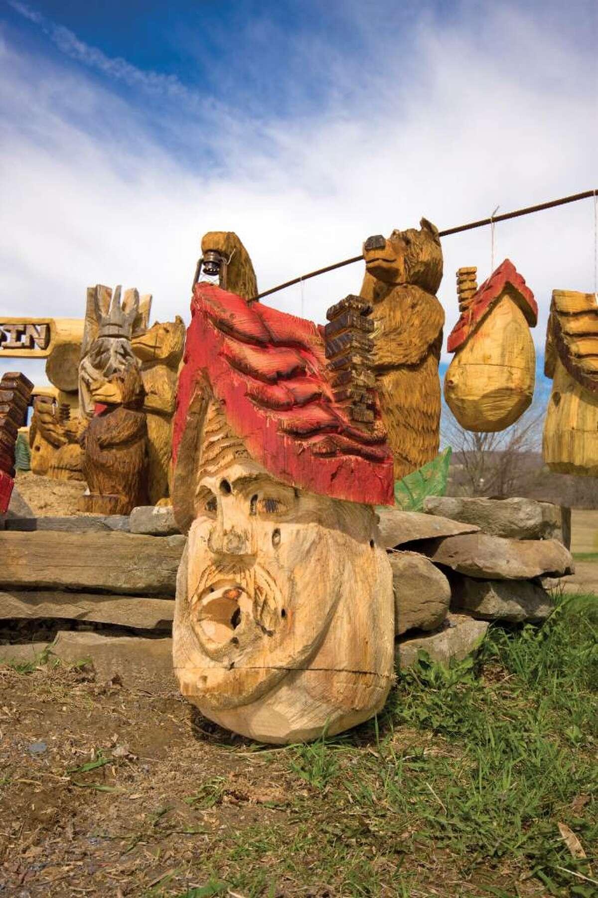 Folk artist Rich Koonz carves out a niche for himself. (Nancy Bruno / Life at Home)