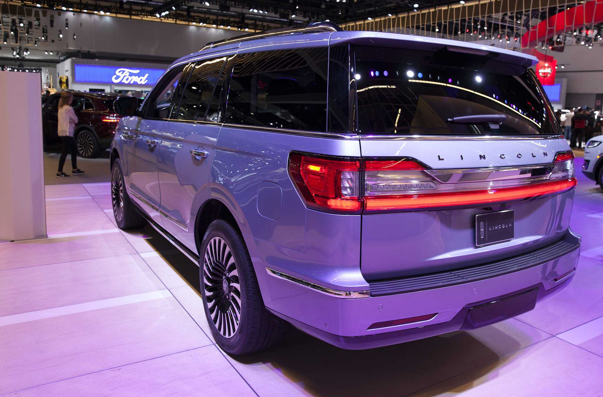 Ford s Lincoln looks to SUVs for salvation as car models stall SFGate