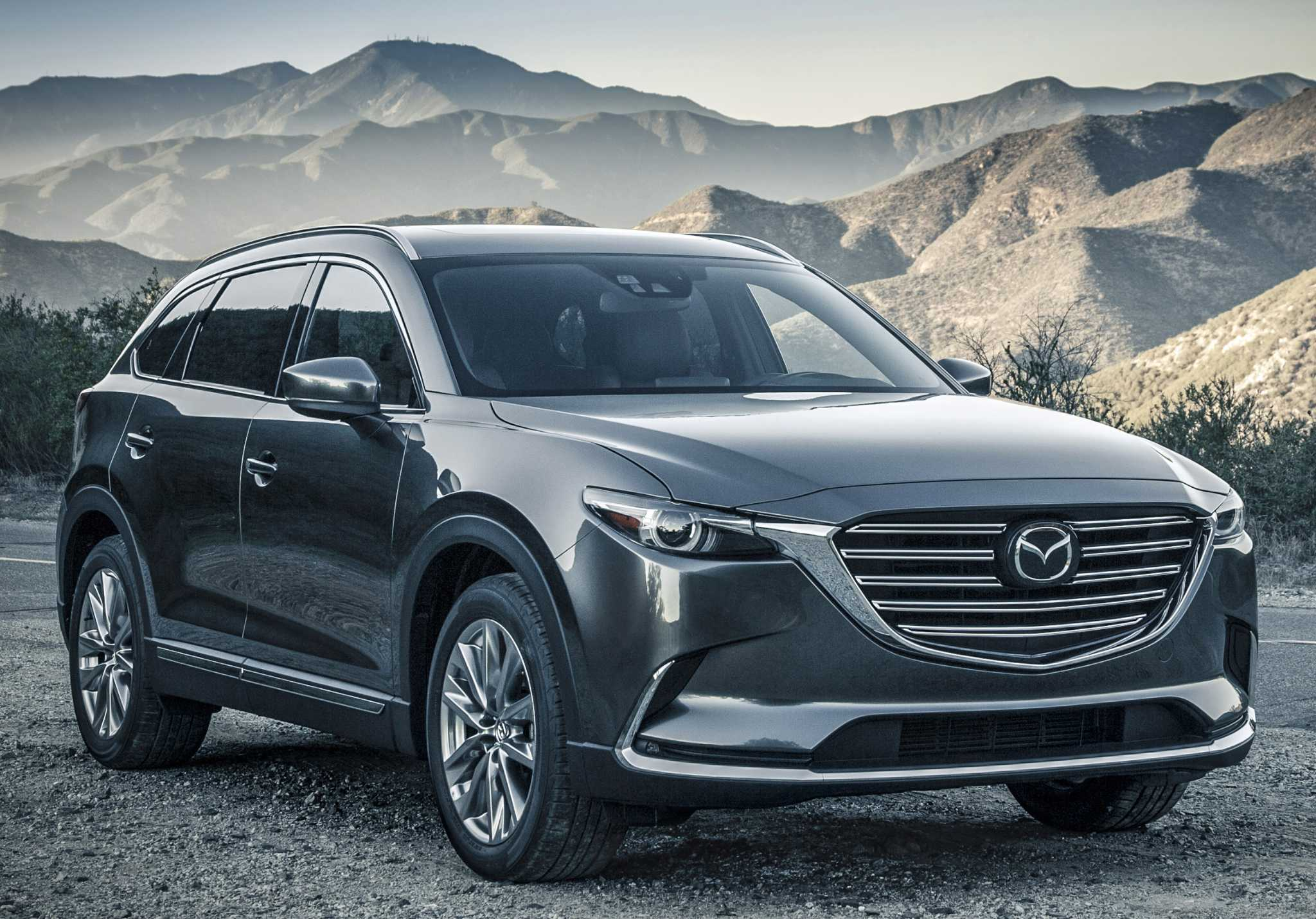 MAZDA CX 9 Crossover offers great styling sporty performance