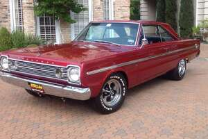 This 1966 Plymouth Belvedere (Lot F196) has a 425-horse 440 cu. in. V8, four-speed manual, air conditioning and old-school Keystone wheels.
