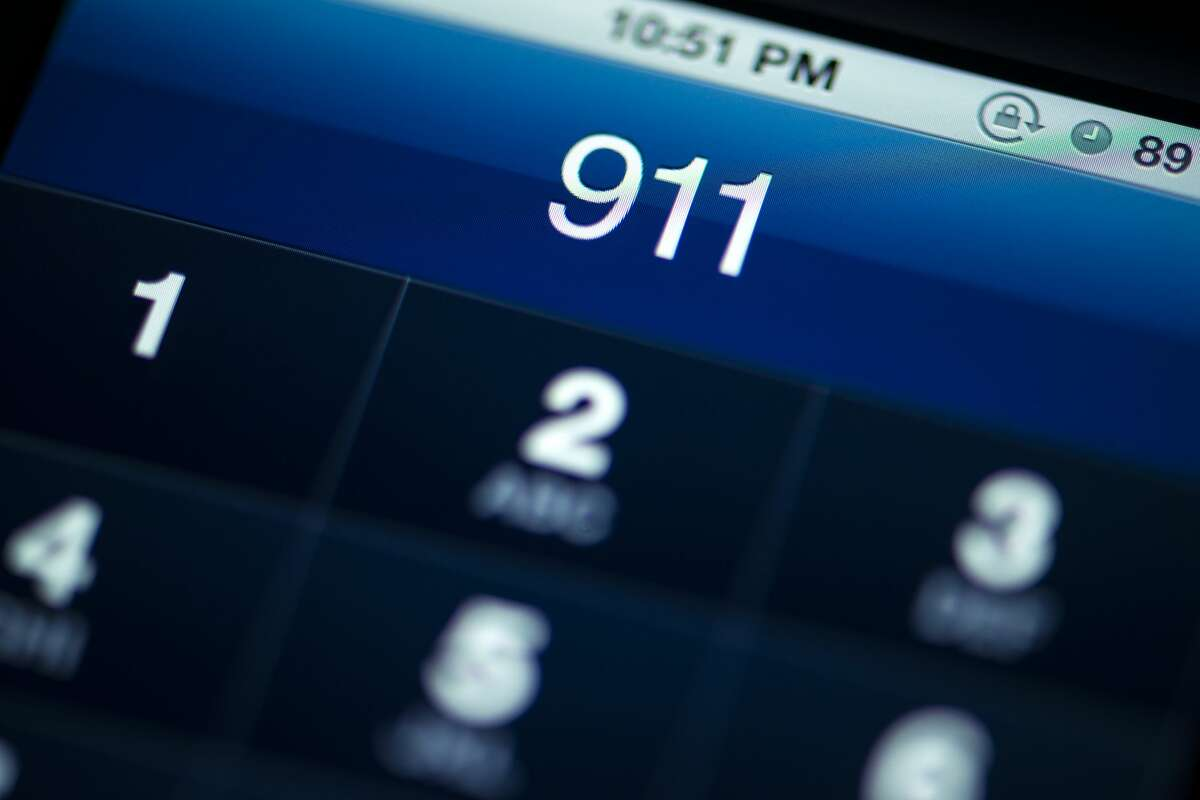 Moose rides, cat attacks and more. Click ahead to read about the 911 dispatchers of Reddit's weirdest and funniest calls.
