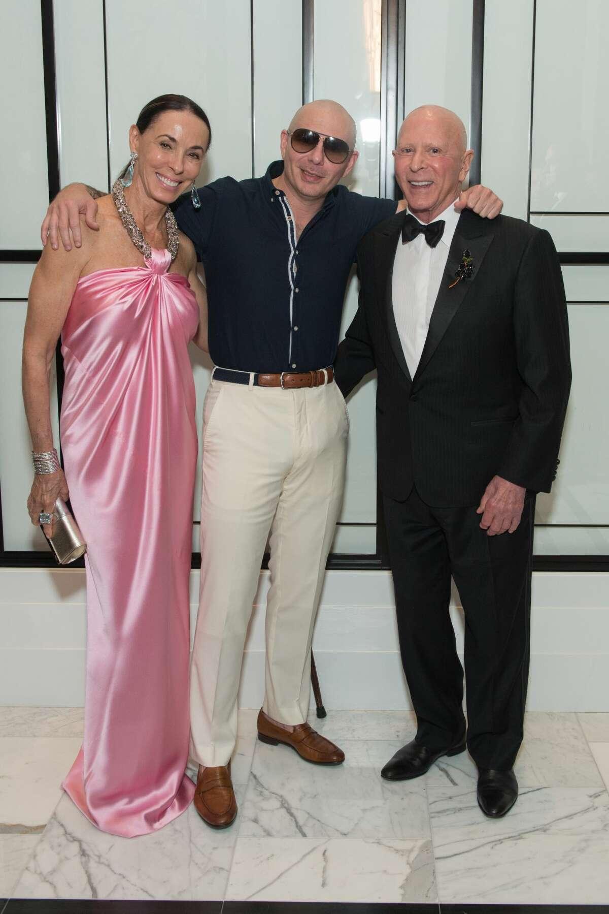 Sue Smith, Pitbull, and Lester Smith