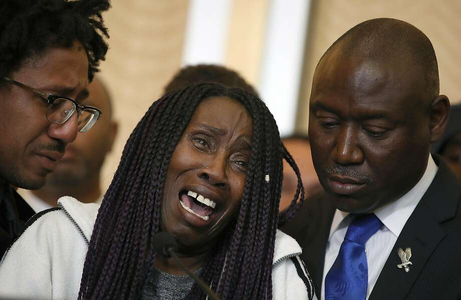 Sequita Thompson, grandmother of Stephon Clark, cries during a news conference with civil rights attorney Ben Crump on Monday in Sacramento. Clark was shot to death by Sacramento police on March 18. Photo: Justin Sullivan