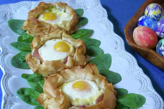 Baked Eggs in Phyllo Nest