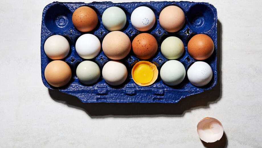 A guide to grocery store eggs. MUST CREDIT: Photo by Stacy Zarin Goldberg for The Washington Post. Photo: Stacy Zarin Goldberg / For The Washington Post