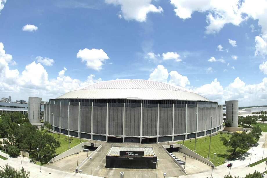 The Astrodome, NRG Parkway How can you call this thing ugly? It's a work of 20th century art. Photo: Nick De La Torre, Staff / Chronicle / Internal