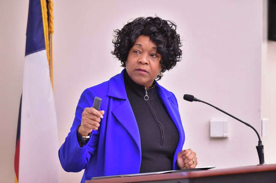 President and CEO Paula Gold-Williams says a 2018 rate hike would have increased revenues by $101.1 million. Photo: Robin Jerstad / San Antonio Express News / ROBERT JERSTAD
