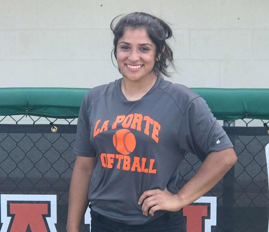 La Porte's Alexia Peña was named Chron's girls athlete of the week. Photo: Contributed Photo