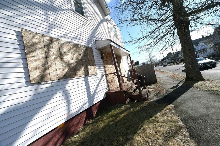 A house on 1st Ave. in West Haven photographed on January 24, 2018 is slated for demolition to make way for The Haven upscale outlet mall. Photo: Arnold Gold / Hearst Connecticut Media / New Haven Register