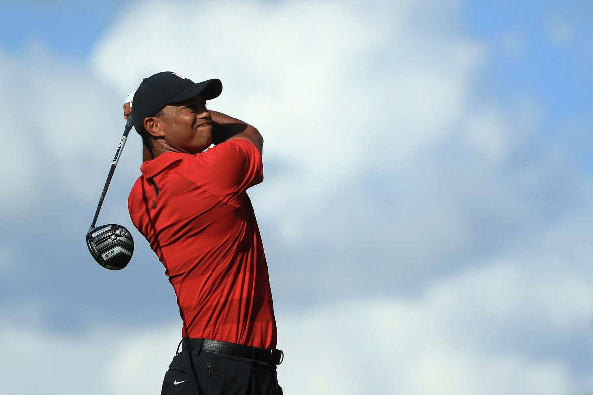 ORLANDO, FL - MARCH 18: Tiger Woods plays his shot from the 16th tee during the final round at the Arnold Palmer Invitational Presented By MasterCard at Bay Hill Club and Lodge on March 18, 2018 in Orlando, Florida. (Photo by Sam Greenwood/Getty Images)
