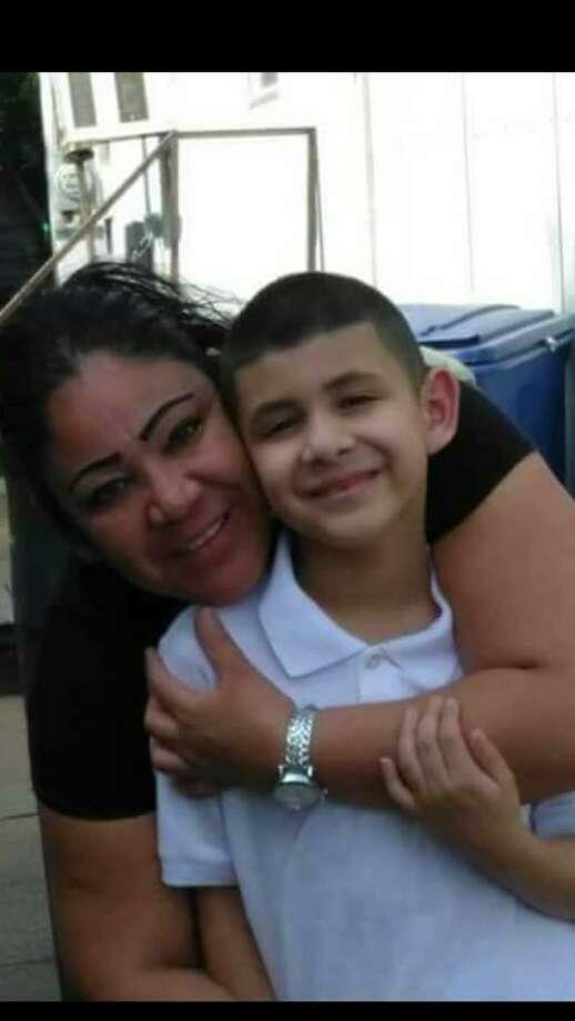 Patricia Gámez y Jorge Hernández fueron identificados como la madre e hijo que fallecieron en Nuevo Laredo, México. Photo: Foto De Cortesía