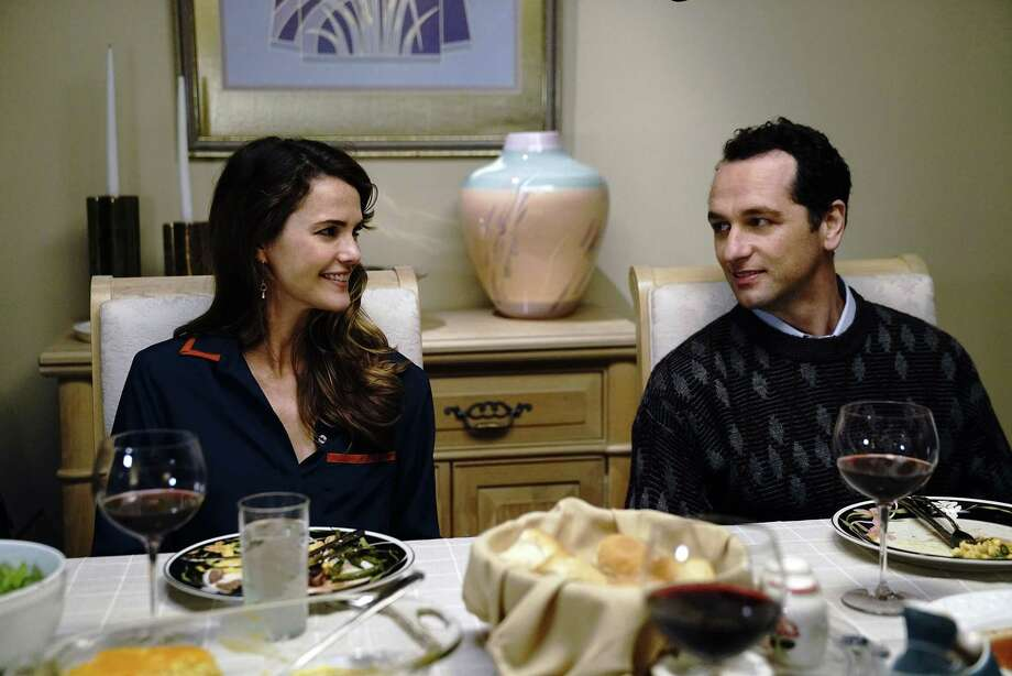 "THE AMERICANS -- ""Dead Hand"" -- Season 6, Episode 1 (Airs Wednesday, March 28, 10:00 pm/ep) -- Pictured: (l-r) Keri Russell as Elizabeth Jennings, Matthew Rhys as Philip Jennings. CR: Patrick Harbron/FX / Copyright 2017, FX Networks. All rights reserved."