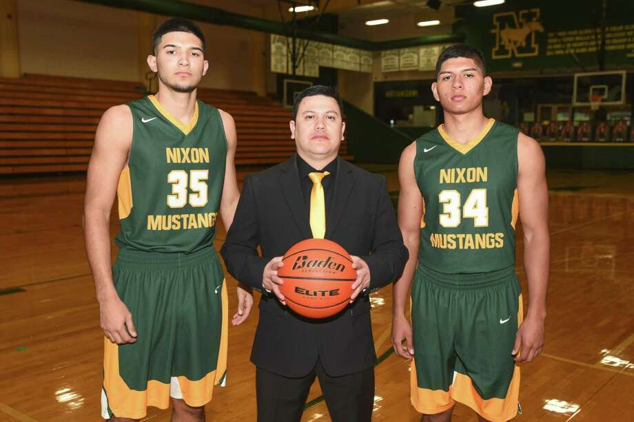 Nixon had three main award winners with Roger Vasquez (Defensive Player), Pete Solis Jr. (Co-Coach) and Martin Tovar (Sixth Man). Photo: Danny Zaragoza /Laredo Morning Times