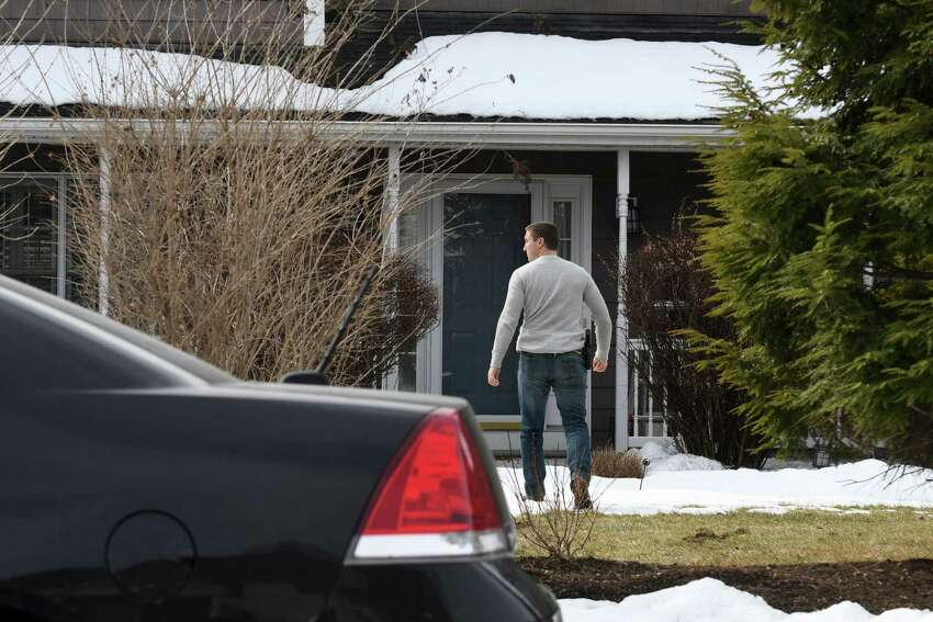 Federal agents raid the home NXIVM co-founder Nancy Salzman on Tuesday, March 27, 2018, in Halfmoon, N.Y. Keith Raniere, the co-founder of the NXIVM corporation has been arrested by the FBI based on a federal criminal complaint filed in the Eastern District of New York. (Will Waldron/Times Union)
