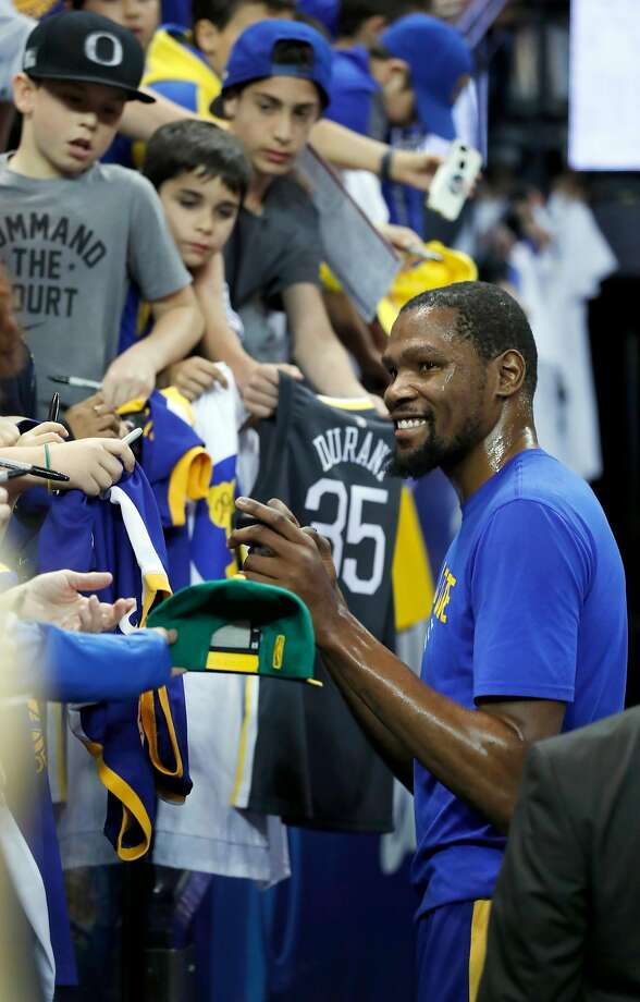 Forward Kevin Durant, who last played March 14, is ready to get back on the court. Photo: Scott Strazzante / The Chronicle
