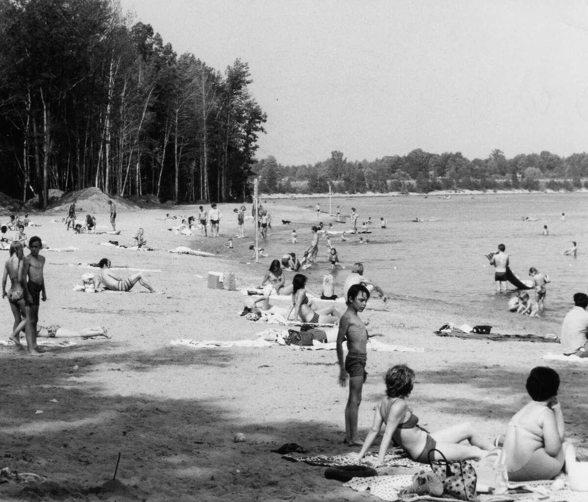 Crowds at Sanford Lake Park. 1973