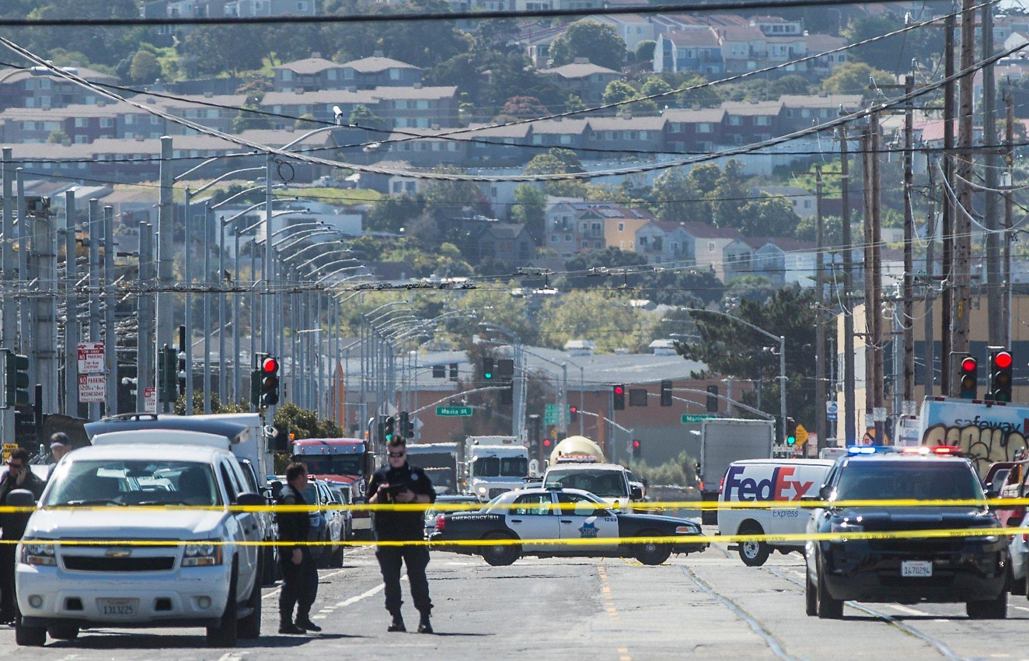 Driver mows down 5 in San Fran Developing