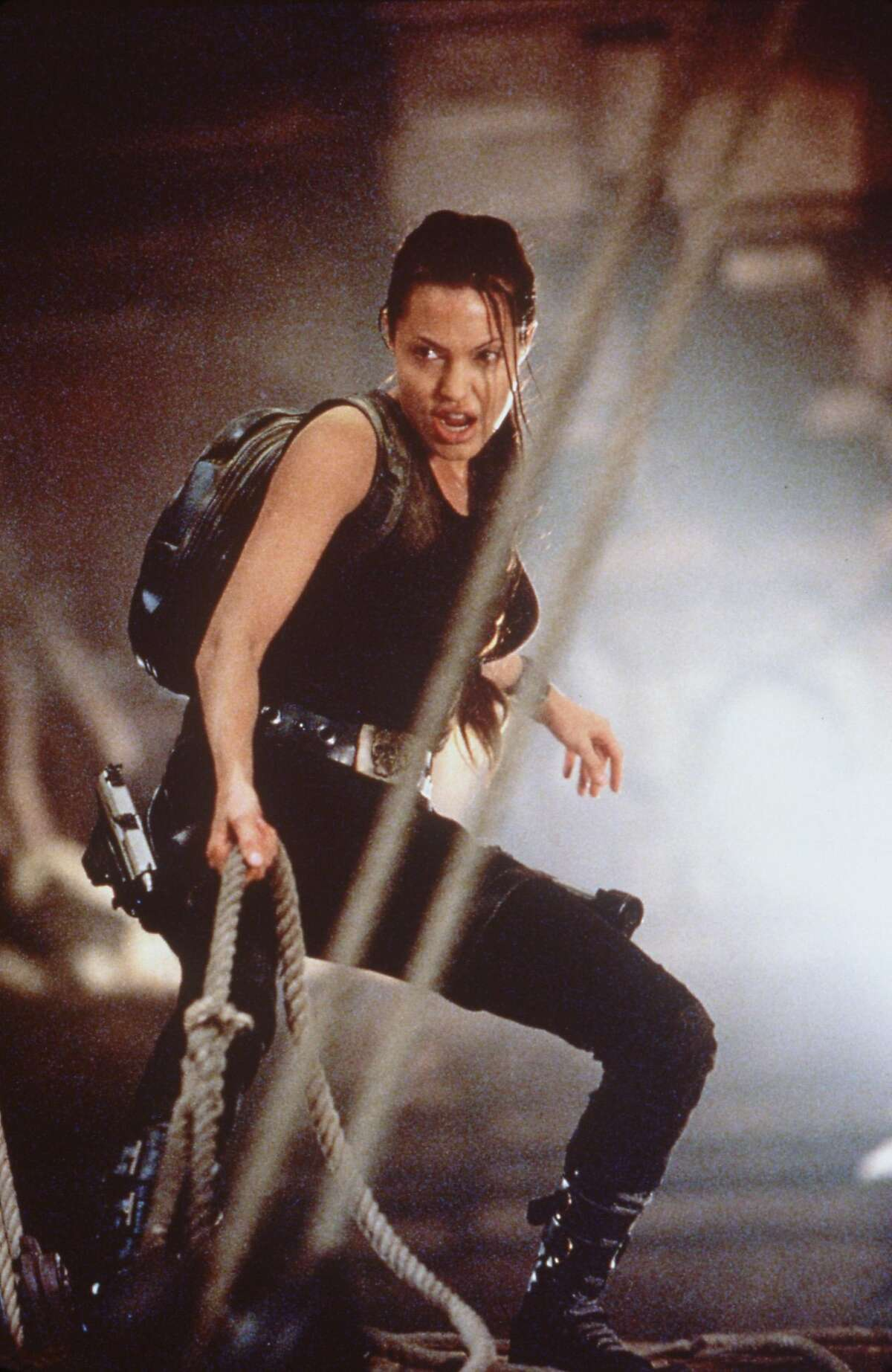 ``LARA CROFT: TOMB RAIDER'' - Angelina Jolie. HOUCHRON CAPTION (05/24/2001): Angelina Jolie stars in
