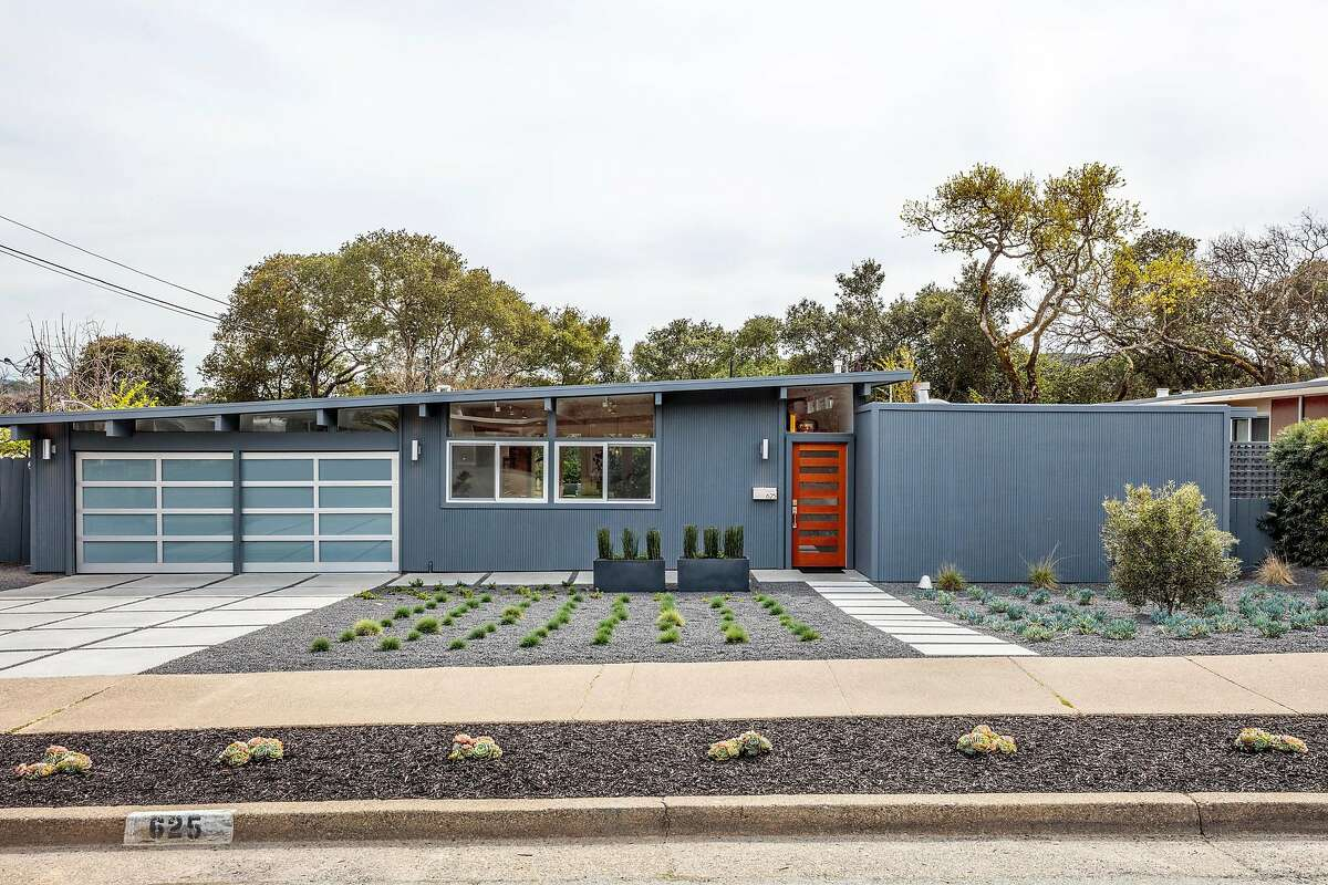 625 Idylberry Road in San Rafael is a four-bedroom Eichler built in 1957.