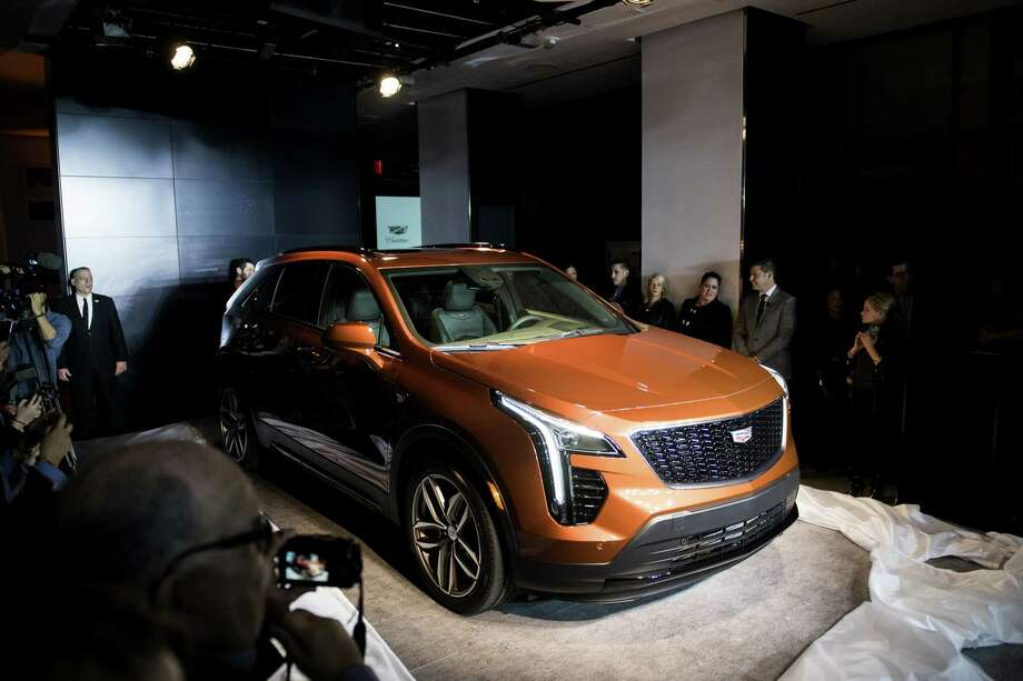 small l future tbd vehicles sport concept m colorizer suv crossover exterior cadillac vehicle