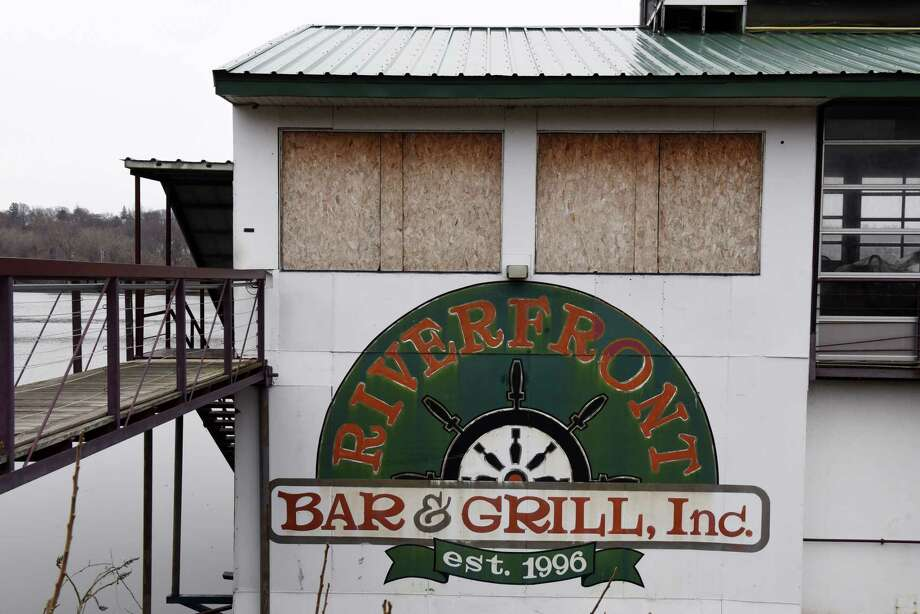 The Riverfront Bar and Grill, a restaurant barge moored on the Hudson River in Corning Preserve, on Thursday, March 29, 2018, in Albany, N.Y. The restaurant has closed and the barge is being auctioned off.(Will Waldron/Times Union) Photo: Will Waldron, Albany Times Union / 40043356A