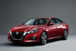 Arriving this fall, the newest Altima features Nissan's V-motion grille, floating roof with slimmer-appearing roof pillars and streamlined boomerang headlights.