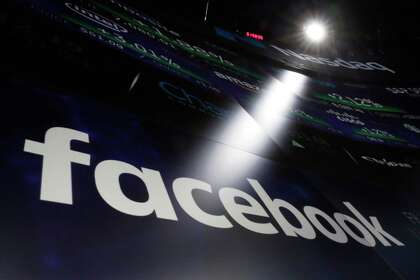 Facebook providing scholarships for Houstonians to attend