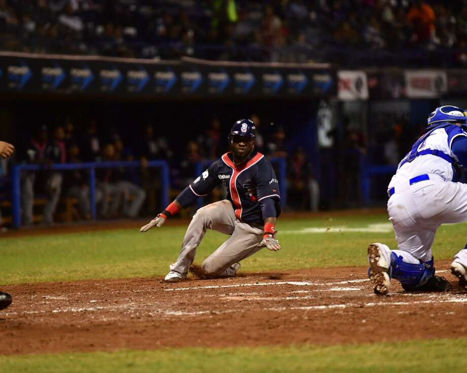The Tecolotes Dos Laredos picked up an 8-1 victory at Acereros de Monclova Thursday night, avoiding a sweep thanks to a five-run fifth inning and a triple play in the sixth. Photo: Courtesy Of Tecolotes Dos Laredos