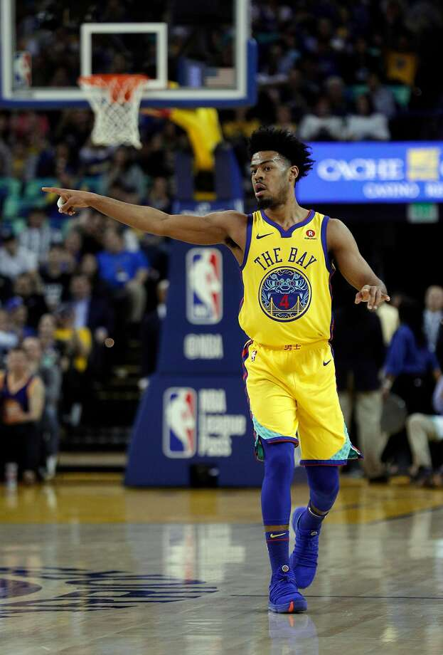 Quinn Cook (4) reacts after hitting a three pointer in the first half as the Golden State Warriors played the Milwaukee Bucks at Oracle Arena in Oakland, Calif., on Thursday, March 29, 2018. Photo: Carlos Avila Gonzalez / The Chronicle