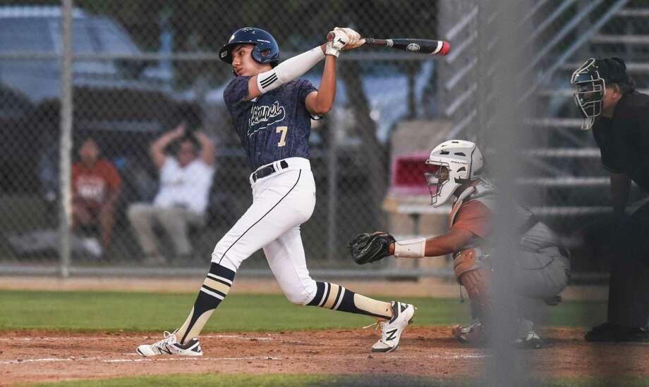 Sergio Galvan was 2-for-3 with two RBIs and a run as Alexander beat Hanna 8-2 Friday at UTRGV matching its run total from the past four games combined. Photo: Danny Zaragoza /Laredo Morning Times File