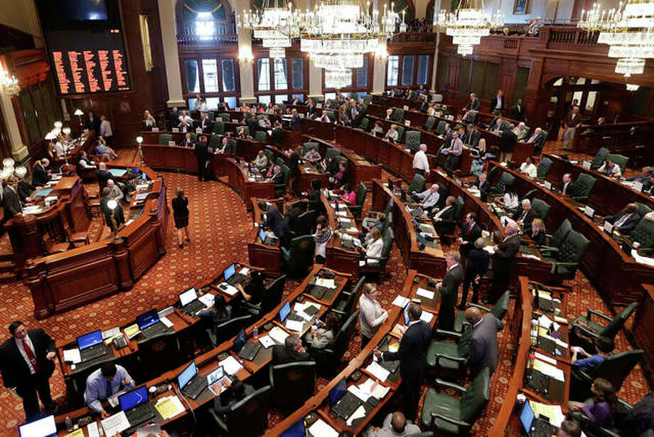 A Democratic initiative to fight the wage gap in Illinois is facing a new obstacle as some legislators are siding with a more business-friendly measure.