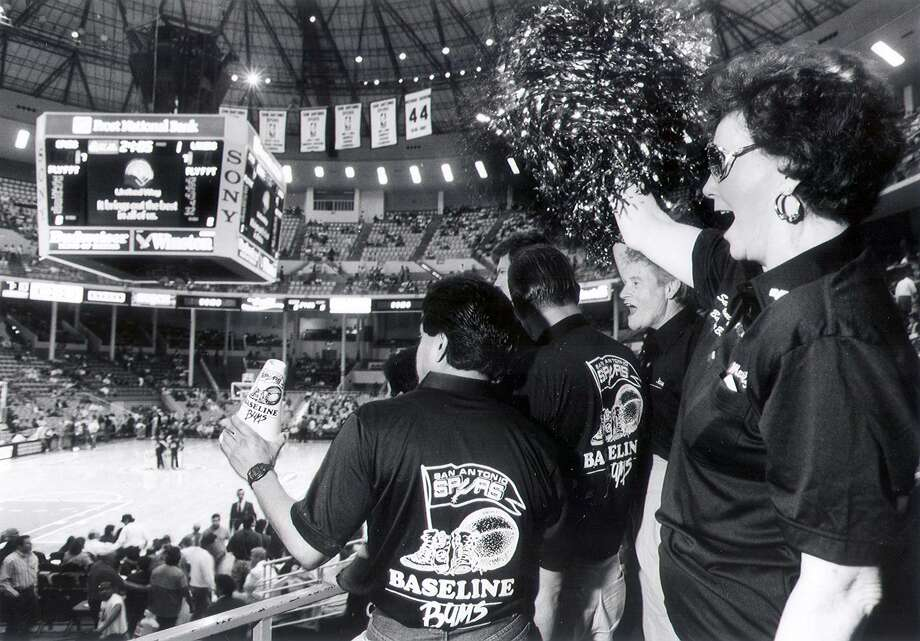 The opening game for the San Antonio Spurs in 1989 at the old HemisFair Arena. Photo: File Photo / Express-News