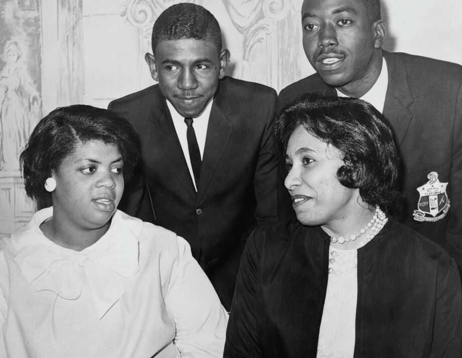 Linda Brown, left, was at the center of the 1950s court battle that led to the desegregation of U.S. schools. She died last week. Her case was the famous Brown vs. the Board of Education. Photo: LIBRARY OF CONGRESS /AFP /Getty Images / AFP or licensors