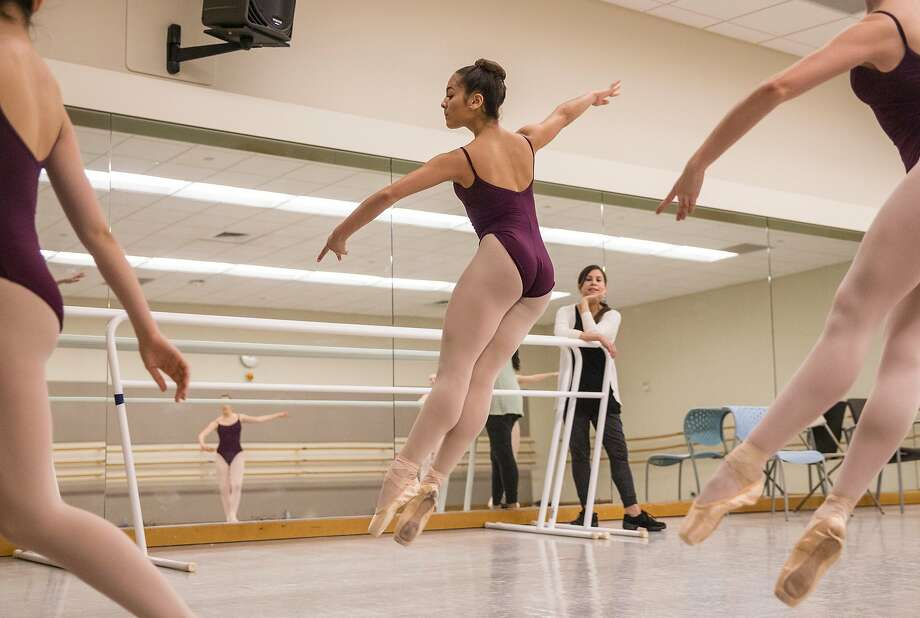 Iris Rocío Dávila, 16, of Puerto Rico leaps while leading her classmates during a skills class at the San Francisco Ballet School. Photo: Jessica Christian / The Chronicle