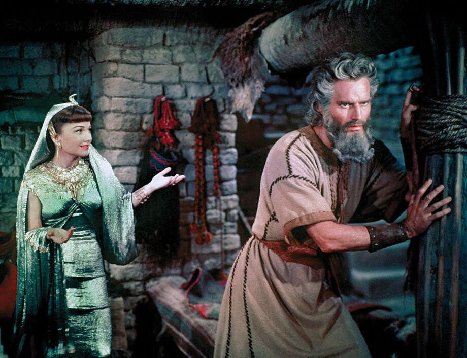 "THE TEN COMMANDMENTS -- Charlton Heston and Yul Brynner star in the epic theatrical film, ""The Ten Commandments,"" which will be broadcast as an ""ABC Special Presentation"" on SATURDAY, APRIL 7 (7:00 - 11:44 p.m., ET) on the ABC Television Network. (PARAMOUNT) ANNE BAXTER, CHARLTON HESTON Photo: PARAMOUNT / © PARAMOUNT. All rights reserved."
