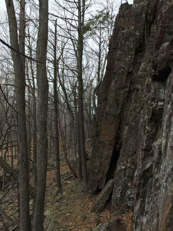 Traprock cliff scramble on the Metacomet Trail. Photo: /