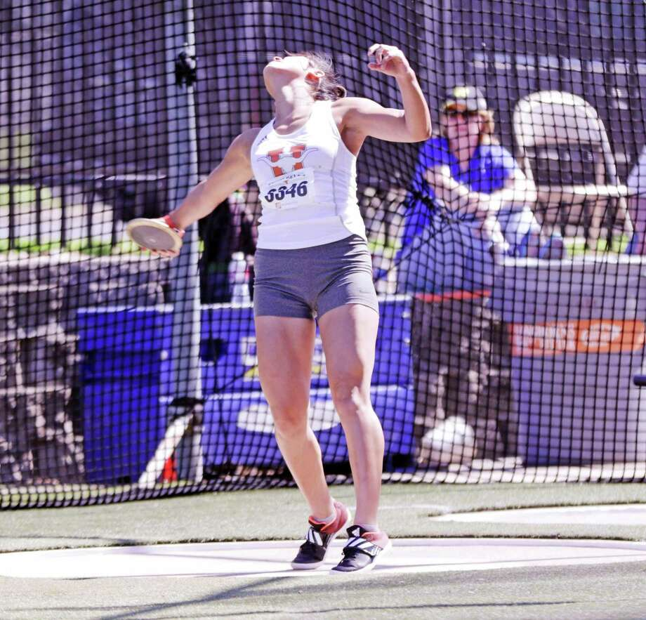 Sadey Rodriguez of United took second place in the discus event on the opening day of the Texas Relays meet on Friday. Photo: Clara Sandoval /Laredo Morning Times