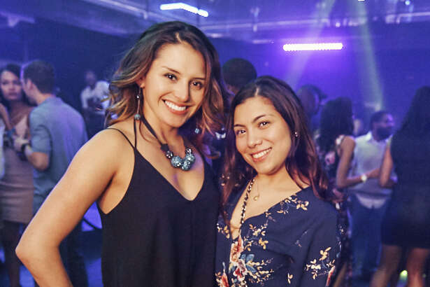 LIVE Ultra Lounge joined in the city's NCAA Tournament celebrations by hosting a Final Four kickoff party Friday March 30, 2018. The Midnight Madness party featured DJs from across the state and American Idol contestant Britney Holmes.