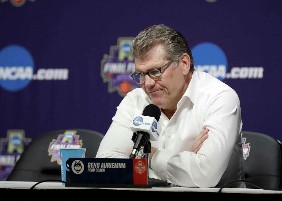 UConn coach Geno Auriemma speaks during a news conference following the Huskies' 91-89 overime loss to Notre Dame on Friday night in Columbus, Ohio. Photo: Ron Schwane / Associated Press / FR78273 AP