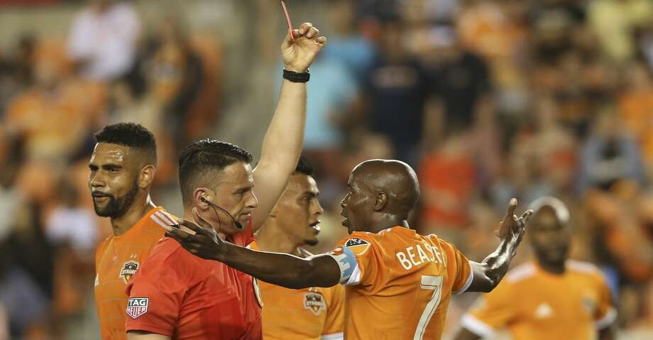 Houston Dynamo defender DaMarcus Beasley (7) receives a red card from Referee Sorin Stoica during the first half of the MLS game at BBVA Compass Stadium on Saturday, March 31, 2018, in Houston. ( Yi-Chin Lee / Houston Chronicle ) Photo: Yi-Chin Lee/Houston Chronicle