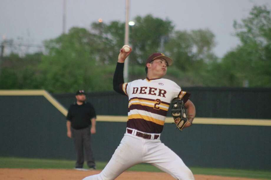 Mark Barrow, showing pitching to a batter in the first inning, helped Deer Park return to the 22-6A win column with four effective innings in which he allowed just three singles. Photo: Robert Avery