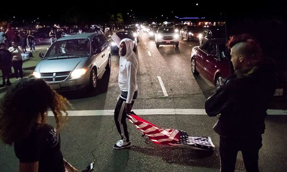 Jason Webbs and hundreds others blocked Florin Road in Sacramento on March 31 to protest the killing of Stephon Clark by police officers. Photo: Paul Kuroda / Special To The Chronicle