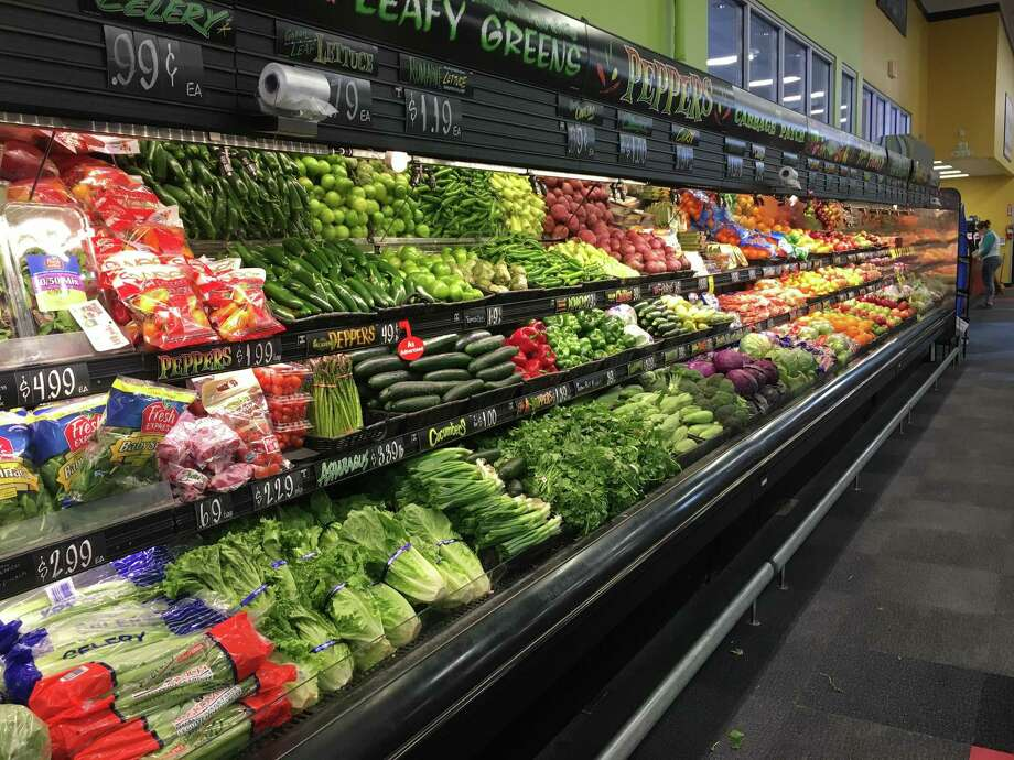Fresh produce is on display at the Lowe's Market hardware and grocery store in San Diego, Texas on March 22, 2018. Photo: Julia Wallace /Laredo Morning Times