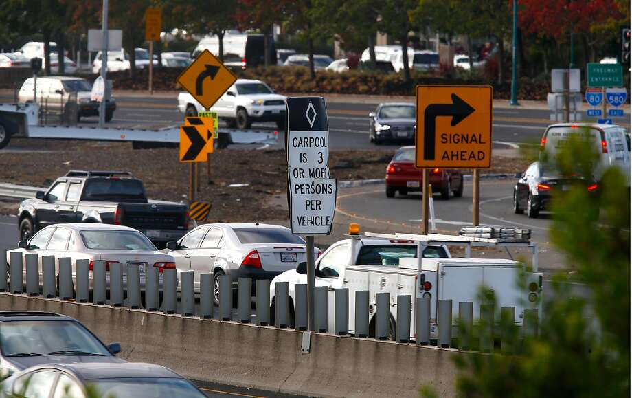 West bound traffic during the morning commute along Interstate 80  near Powell St. in Emeryville, Ca. on Monday November 6, 2017. Photo: Michael Macor / The Chronicle