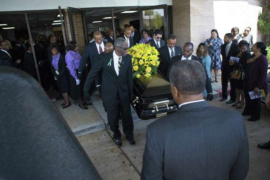 Houston City Councilman Larry Green's casket carried out of the church at the conclusion of a celebration of life service. Green's death of a drug overdose caught his colleagues at City Hall by surprise. ( Mark Mulligan / Houston Chronicle ) Photo: Mark Mulligan, Houston Chronicle / Houston Chronicle / © 2018 Houston Chronicle