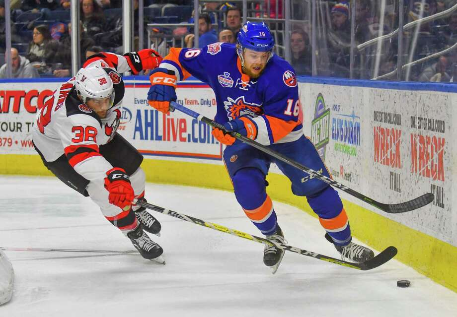 Kyle Schempp (16) of the Bridgeport Sound Tigers plays the puck behind the goal during a game against the Binghamton Devils at Webster Bank Arena on Saturday December 30, 2017 in Bridgeport, Connecticut. Photo: Gregory Vasil / For Hearst Connecticut Media / Connecticut Post Freelance