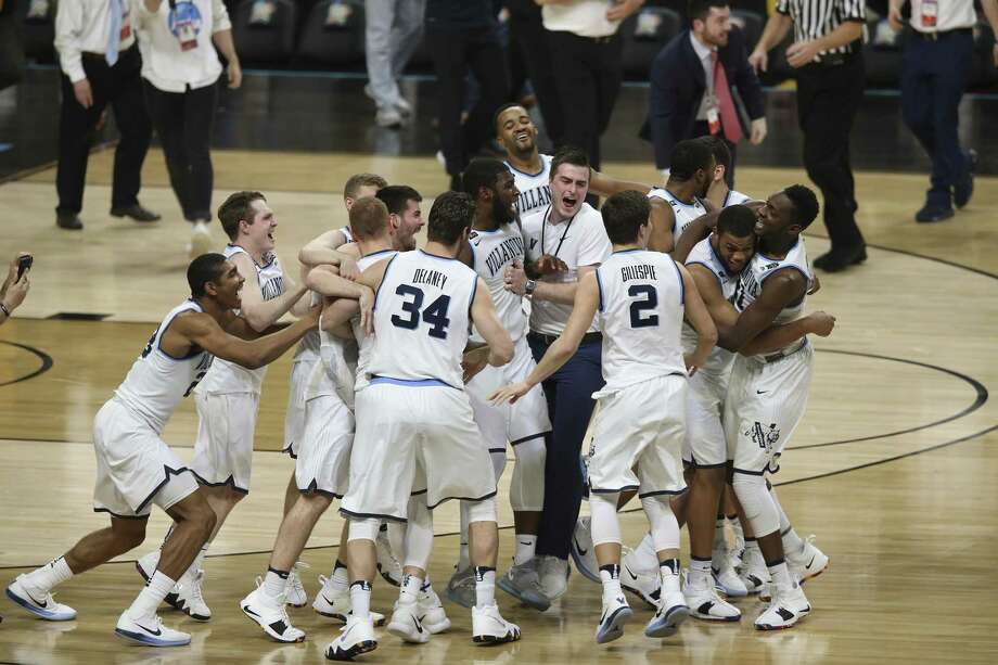 The NCAA Men's Final Four Championship tournament helped propel double-digit passenger growth at San Antonio International Airport in April, city aviation officials said. Photo: JERRY LARA /San Antonio Express-News / San Antonio Express-News
