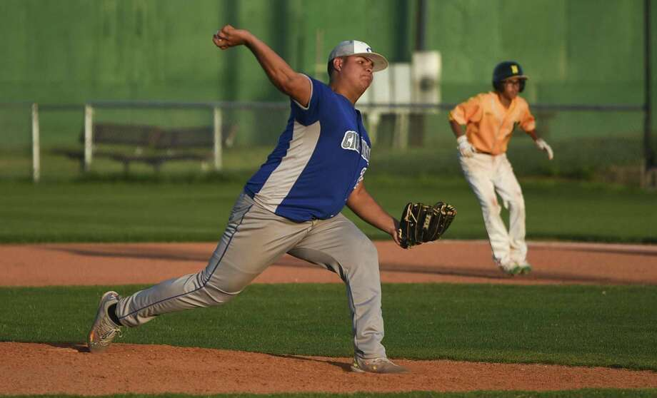 Braulio Bo Paez and the Cigarroa Toros (10-13, 6-4 District 31-5A) ended their two-game skid with a 9-3 victory over Nixon Monday night at Veterans Field. Photo: Danny Zaragoza / Laredo Morning Times / Laredo Morning Times